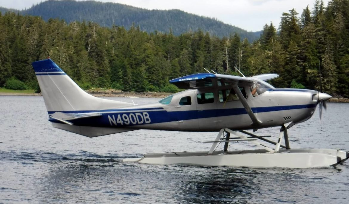Cessna 206 Sea Plane Paint and Restoration
