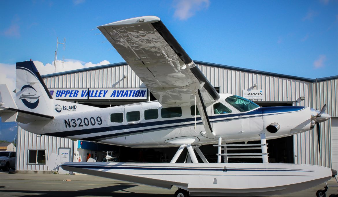 Cessna 208 Caravan on Amphibs Paint